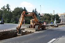 Na šest týdnů je uzavřena Podmokelská ulice v centru Děčína.