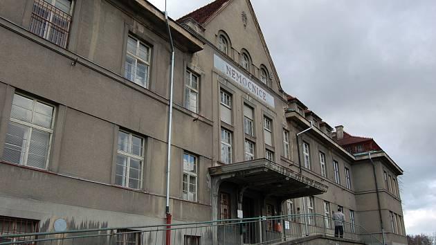 Darek Šváb veřejnou zakázku na modernizaci Lužické nemocnice zrušil