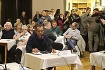 Zasedání zastupitelstva ve Varnsdorfu.