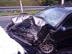 Nehoda aut u Jílového.