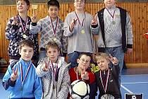 S VELKÝM PŘEHLEDEM zvítězili na turnaji v Markvarticích mladí fotbalisté z Plastonu Šluknov.