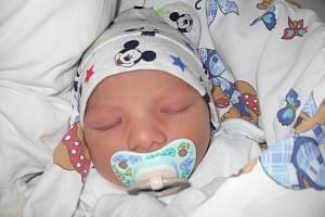 Mamince Anně Kirvejové z Děčína se ve středu 10. dubna ve 20:47 hodin narodil Kristián Kirvej. Vážil 2,58 kg.