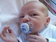 Janě Tomáškové z Děčína se 1. září ve 23.15 narodil v děčínské nemocnici syn Jaroslav Tomášek. Měřil 49 cm a vážil 2,9 kg.