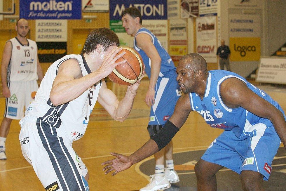 První utkání play off Děčín doma zvládl na jedničku.