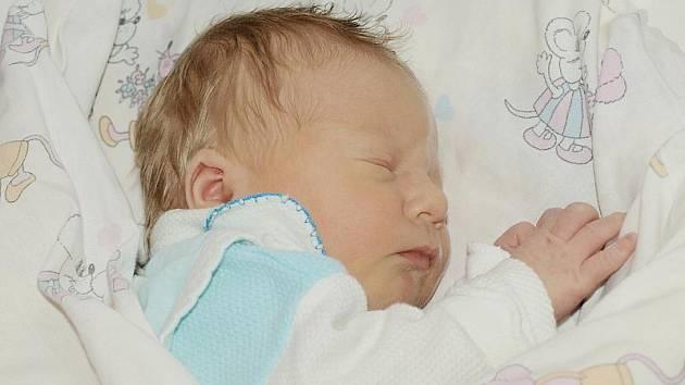 Jaroslavě Klingerové z Varnsdorfu se 21. října ve 20.10 v rumburské porodnici narodil syn Jakub Horák. Měřil 48 cm a vážil 3,1 kg.
