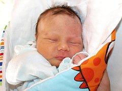 Dagmar Husárové z Varnsdorfu se 7. dubna v 9.00 v rumburské porodnici narodil syn Dominik Rejthárek. Měřil 48 cm a vážil 2,98 kg.