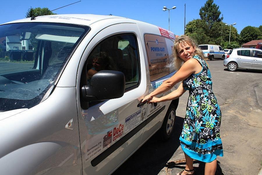 Domov pro osoby se zdravotním postižením si ve středu převzal sponzorské auto.