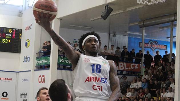 LAMB AUTREY je klíčovou postavou děčínských basketbalistů v play-off.