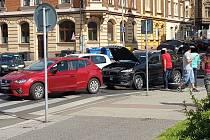 Dopravní nehoda nedaleko kina.