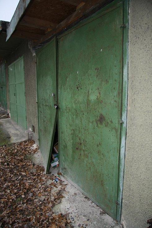 Vykradené garáže v Děčíně.