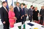Podpis Společného prohlášení o spolupráci v oblasti přeshraniční zdravotní péče mezi Ministerstvem zdravotnictví ČR, Saským státním ministerstvem sociálních věcí a ochrany spotřebitele, Ústeckým krajem a všemi sedmi zdravotními pojišťovnami.