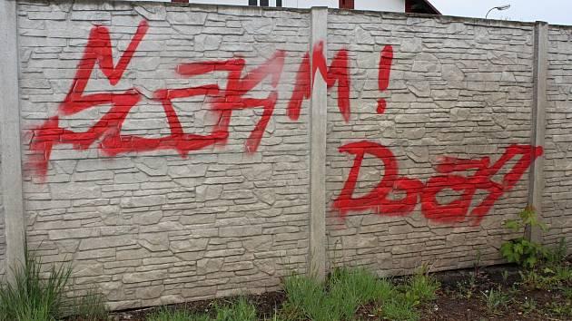 Graffiti v Březové ulici.