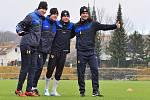 UŽ DŘOU. Fotbalisté Varnsdorfu mají za sebou první oficiální trénink.