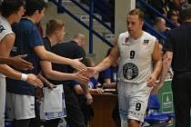 Děčínští basketbalisté porazili v derby zápase Ústí nad Labem 83:67.