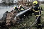 Požár balíků slámy v Rumburku.