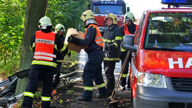Dopravní nehoda kamionu v Jiříkovské ulici v Rumburku.