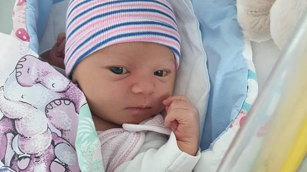 Rodičům Nikole a Pavlovi Kaškovým z Rumburku se v pátek 2. srpna v 16.28 narodila dcera Laura Kašková. Měřila 51 cm a vážila 3,14 kg.