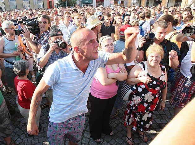 Průběh shromáždění v Rumburku.