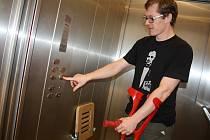 U předání výtahu nechyběl ani primátor města Děčína František Pelant.
