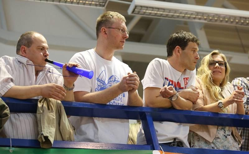BASKETBALOVÁ NIRVÁNA! Děčínští Válečníci v pátém semifinále porazili Prostějov, v sérii zvítězili 3:2 a ve finále je čeká Nymburk!