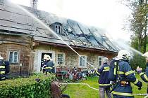 Požár rodinného domu ve Chřibské