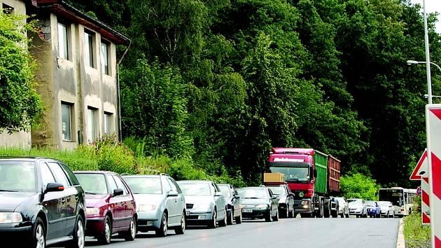 Provoz na Teplické ulici v Děčíně.