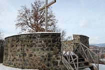 Současná podoba revitalizovaného popraviště nedaleko zámečku Větruše.
