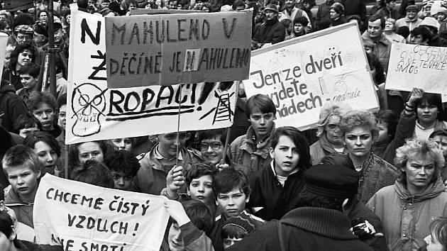 Protesty proti špatnému ovzduší v listopadu 1989