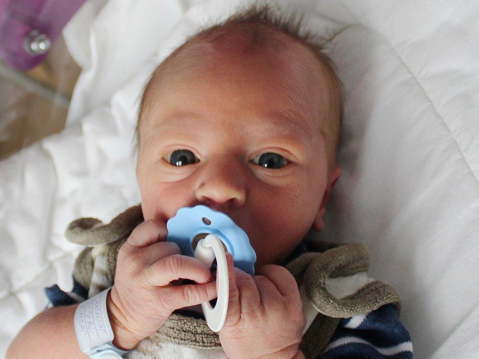 Matyáš Jech se narodil Jaroslavě a Martinovi Jechovým z Dolních Habartic 3. října. Měřil 50 cm a vážil 3,25 kg.