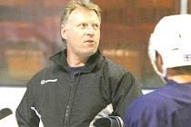 HC DĚČÍN povede i v sezóně 2015/16 trenér Karel Chládek.
