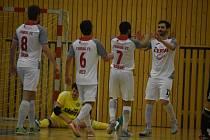 Futsalisté České Lípy (tmavé dresy) doma podlehli Teplicím 1:4.