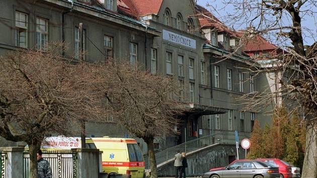 O koupi rumburské nemocnice se bude ucházet kraj. Jeho zastupitelé o tom rozhodli v pondělí po vyčerpávající diskuzi.