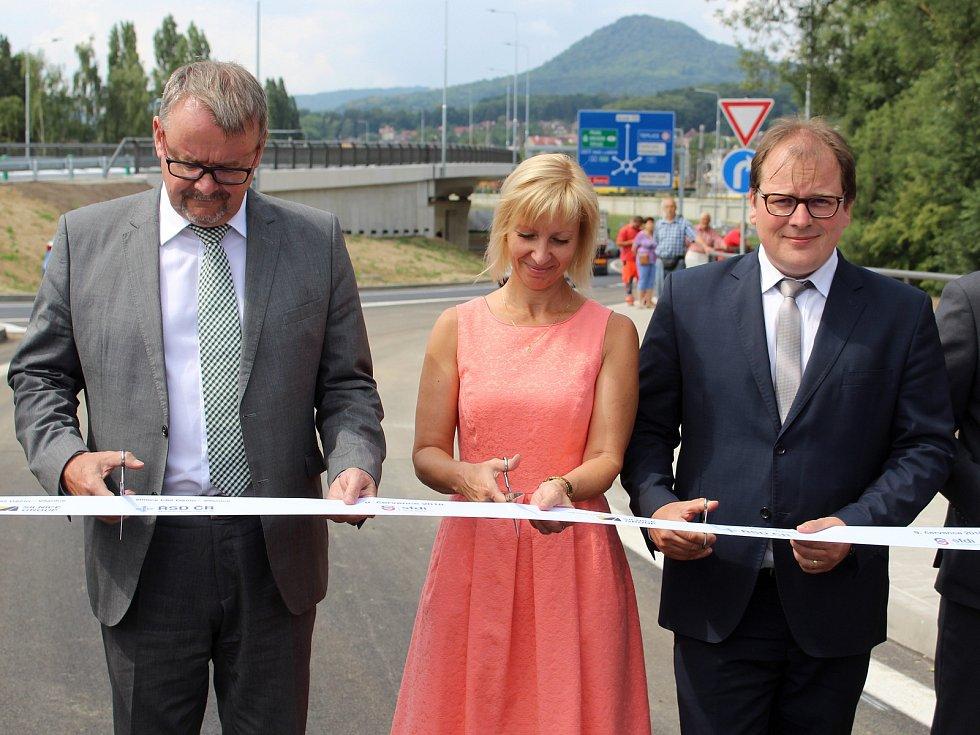 Otevření Vilsnické spojky se zúčastnil i ministr dopravy Dan Ťok.