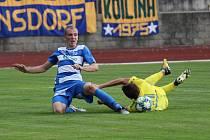 SELHÁNÍ. Fotbalisté Varnsdorfu (ve žlutém) nezvládli derby, doma nestačili na Ústí nad Labem.