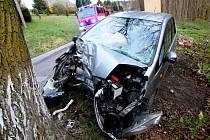 Dopravní nehoda osobního automobilu, která se stala mezi Šluknovem a Rožany.