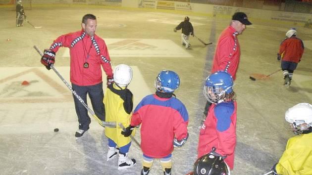 Mladí hokejisté dostanou během kempu pořádně zabrat