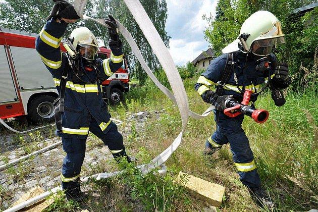 Hasiči měli s požárem plné ruce práce
