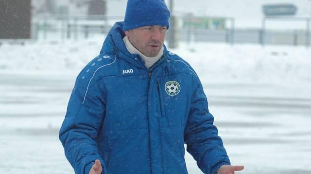 PRVNÍ TRÉNINK v rámci zimní přípravy mají za sebou fotbalisté FK Varnsdorf.