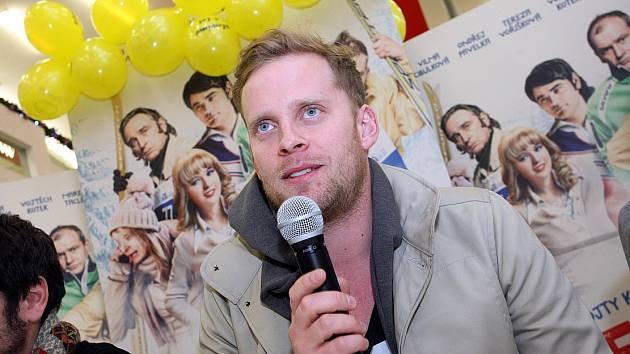 Do talk show Silný řeči přijede do děčínského kina Sněžník Jakub Prachař.