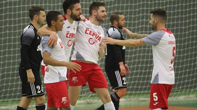 V prvním vzájemném zápase porazily Teplice (v bílém) Českou Lípu 6:2. Jak to bude v pátek na hřišti Démonů?