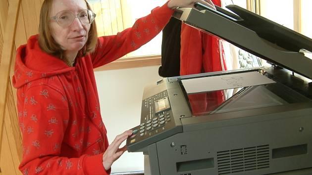Drahomíra Fieronová, která pracuje již od roku 2006 v občanském sdružení Jurta na pozici pomocného administrativního pracovníka je s prací velmi spokojená