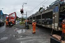 V sobotu ráno se srazilo v Děčíně - Křešicích osobní auto s vlakem.