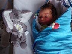 Mikuláš Rousek se narodil Šárce Rouskové 18. prosince v 10:20 v děčínské porodnici. Měřil 54 cm a vážil 3,74 kg.