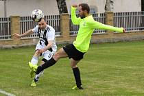 V sobotu 22. srpna odstartuje prvním kole okresní přebor ve fotbale. Chybět nebudou týmy Horního Podluží (zelené dresy) a Šluknova B.