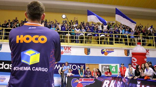 OVACE. Takto se loučili děčínští diváci se svým týmem po prohraném semifinále v Prostějově.