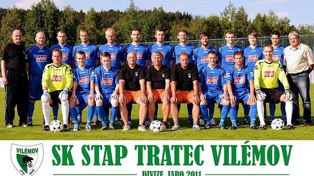 VELMI ÚSPÉŠNOU sezónu zažil fotbalový oddíl SK Stap Tratec Vilémov, který díky skvělým jarním výkonům vybojoval skvělou devátou přičku v divizi B