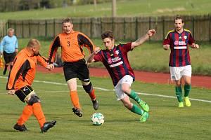Čtyři roky funguje v děčínském okrese fotbalový klub FK Dolní Podluží. Snímek je z května 2019 v utkání proti Huntířovu.