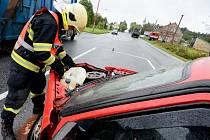 Dvě osobní auta se srazila na křižovatce Studánka na Šluknovsku.