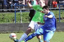 MALŠOVICE (v zeleném) dlouho bojovaly, nakonec v Chuderově prohrály 0:2.