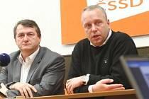 Sociální demokraté v pondělí večer budou jednat s vyjednávacím týmem KSČM
